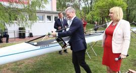 Sezon wioślarski otwarty - nowa łódź dla ósemki [ZDJĘCIA]