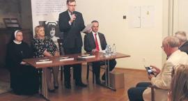 Promocja książki o śp. senator Janinie Fetlińskiej