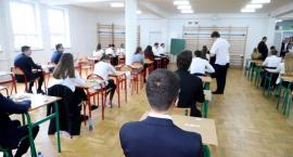 Alarmy bombowe w płockich szkołach