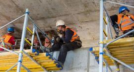 Pracownicy z Ukrainy – jak zatrudnić legalnie?