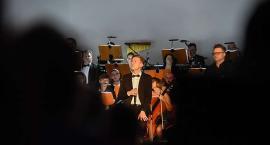 Sylwester z Orkiestrą. Na scenie Jarek Wist [ZDJĘCIA]