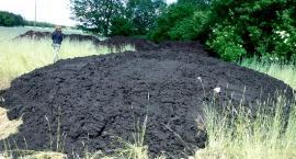 W maju na jednej z posesji wylano czarną maź