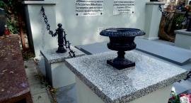 Odnowiono wspólną mogiłę Kochanowskiego i Gniazdowskiego