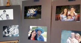 Portret rodzinny z uśmiechem