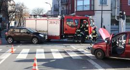 Uwaga! Wypadek na skrzyżowaniu Sienkiewicza i Bielskiej [ZDJĘCIA, WIDEO]