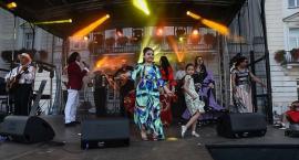 Muzyka Romów rozbrzmiała na Starym Rynku [ZDJĘCIA]