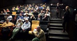 Niewidomi obejrzą filmy. Takie rzecz tylko z DeFacto