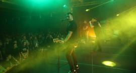 Ogień w POKiS-ie. Energetyczny koncert Farben Lehre [ZDJĘCIA]