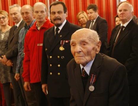 Społeczeństwo, Zmarł najstarszy dębliński uczestnik kampanii - zdjęcie, fotografia