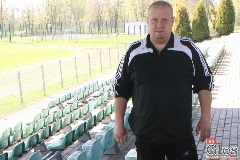 Piłka nożna, Jakub Pietrzak rezygnuje prezes Mazowsza Stężyca - zdjęcie, fotografia