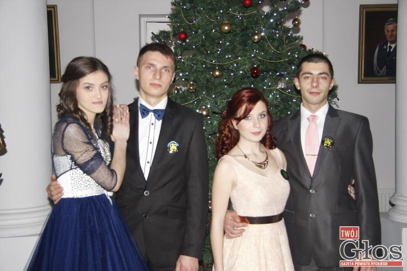 Szkoły średnie, Poloneza zacząć - zdjęcie, fotografia