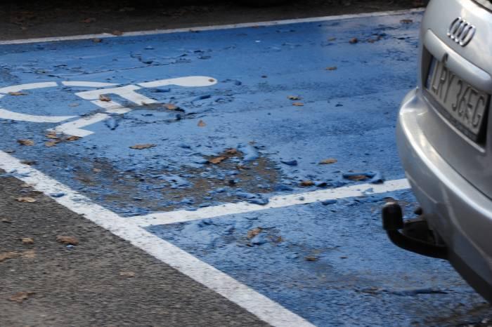 Interwencje, Farba zlazła kilku dniach - zdjęcie, fotografia