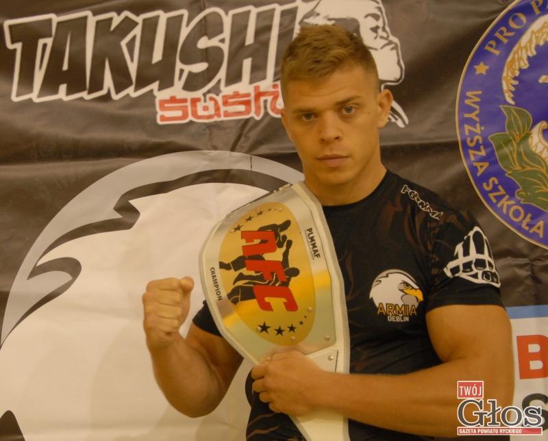 MMA, Nikodem Ziemecki mistrzem Polski - zdjęcie, fotografia