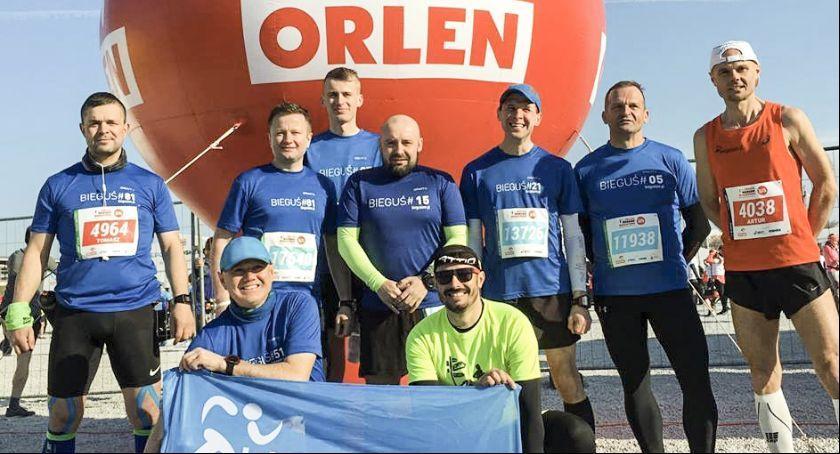 Biegi, Artur ustanowił rekord powiatu maratonie - zdjęcie, fotografia