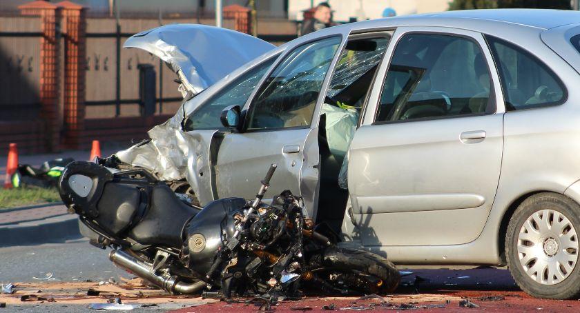 Wypadki, Dęblin Motocyklista ranny wypadku żyje - zdjęcie, fotografia
