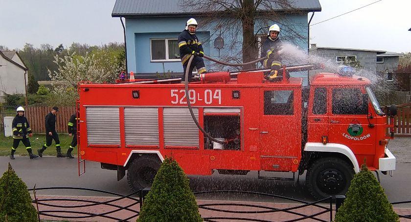 Społeczeństwo, Śmigus dyngus strażacku - zdjęcie, fotografia