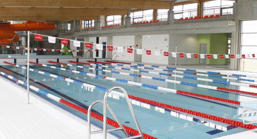Samorząd, Powiat żeby gmina przejęła basen - zdjęcie, fotografia