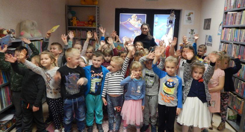 Przedszkola, Misie Krasnoludki bibliotece - zdjęcie, fotografia