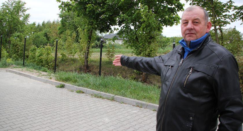 Społeczeństwo, Ukradli strażakom ogrodzenie - zdjęcie, fotografia