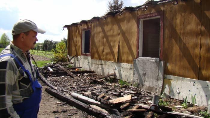 Interwencje, pożarze stracili Teraz mieszkają stodole - zdjęcie, fotografia