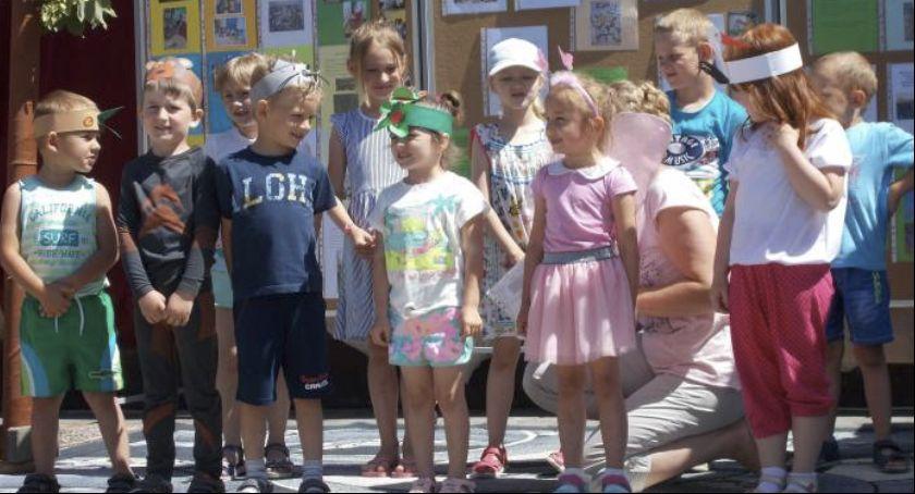 Społeczeństwo, Zjednoczeni wokół szkoły - zdjęcie, fotografia