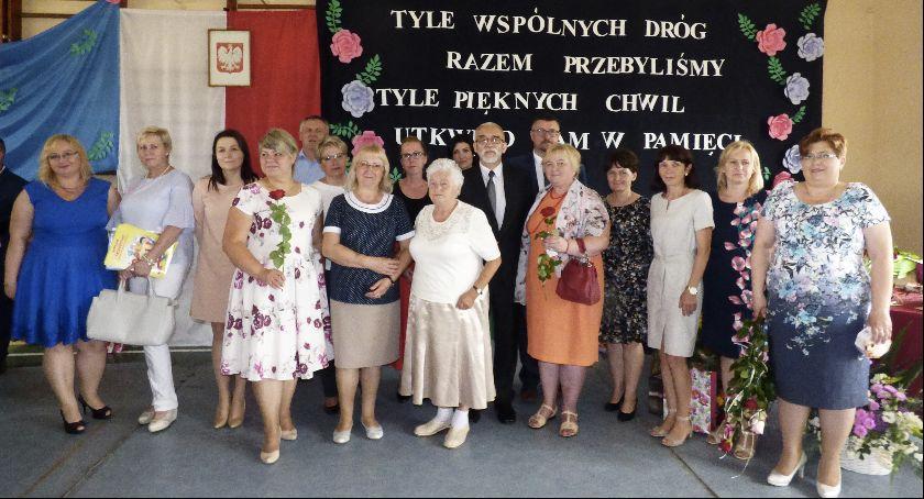 Szkoły Podstawowe, Gimnazjum Bobrownikach zakończyło działalność - zdjęcie, fotografia
