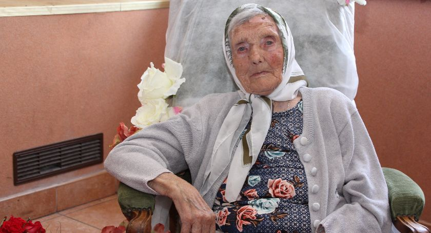 Społeczeństwo, Zofia Warowna skończyła - zdjęcie, fotografia