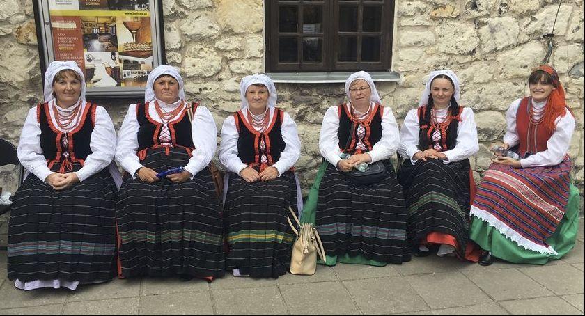 Społeczeństwo, Babeczki najlepsze Kazimierzu Dolnym - zdjęcie, fotografia