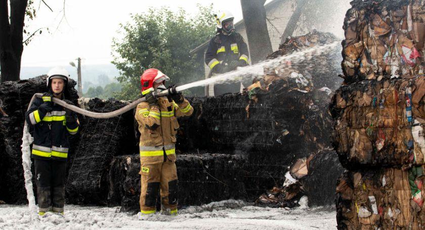 Pożary, Makulatura ogniu - zdjęcie, fotografia