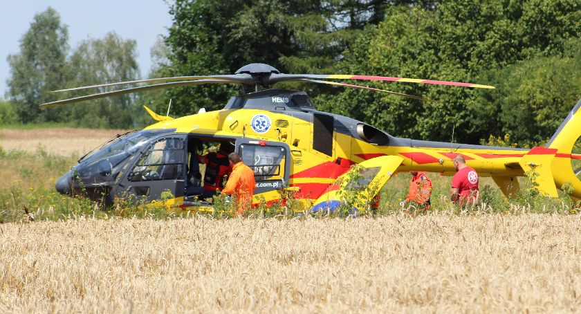 Wypadki, Kolejny wypadek udziałem motocyklisty Poszkodowanego zabrał śmigłowiec - zdjęcie, fotografia