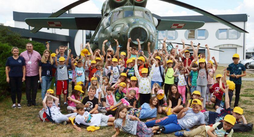 Społeczeństwo, Dzieci poznawały historię lotnictwa budowały swój samolot - zdjęcie, fotografia