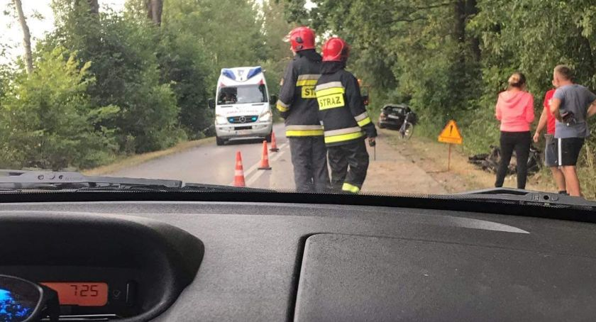 Wypadki, Wypadek drodze Zalesie Kłoczew Utrudnienia ruchu - zdjęcie, fotografia