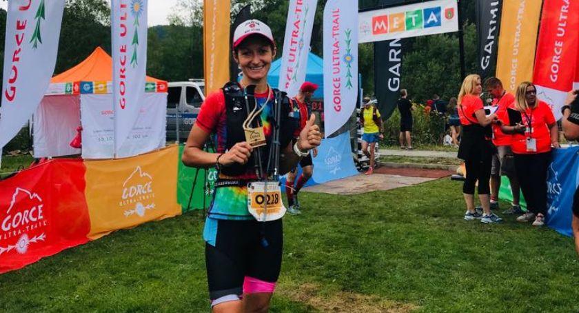 Biegi, Paulina Krawczak wygrywa wśród kobiet zajmuje miejsce Gorce Ultra Trail - zdjęcie, fotografia