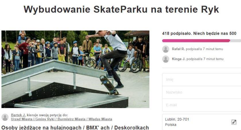 Społeczeństwo, Chcą budowy skateparku Rykach - zdjęcie, fotografia