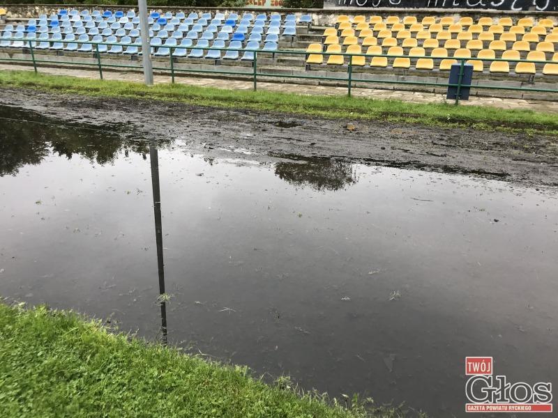 Archiwum, planach stadionem (komentarz) - zdjęcie, fotografia