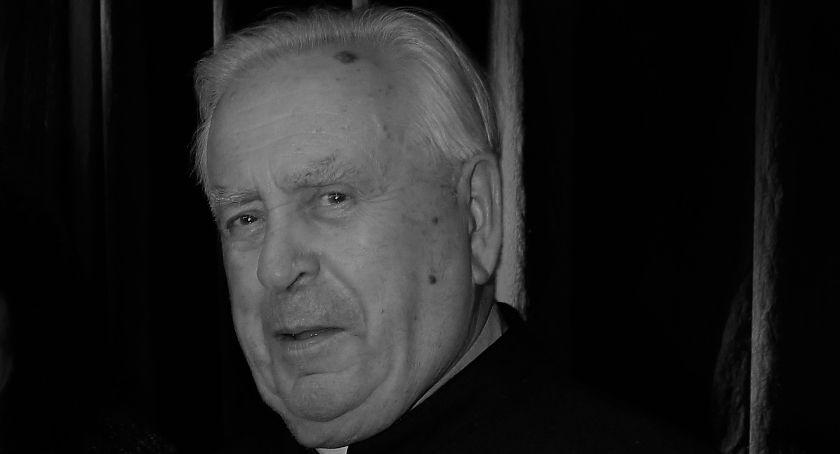 Społeczeństwo, Zmarł prałat Stanisław Burzec - zdjęcie, fotografia