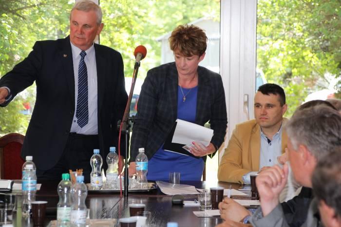 Polityka, Wesołek odwołana przewodniczący - zdjęcie, fotografia