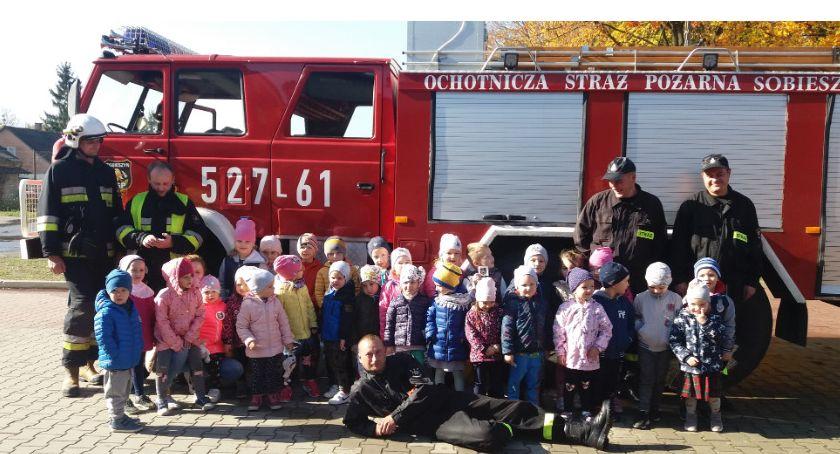 Przedszkola, Ułęż Przedszkolaki poznały prace dzielnych strażaków - zdjęcie, fotografia
