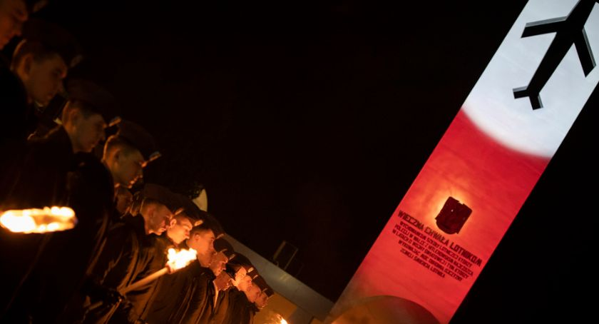 Wojsko, Studenci przejęli władzę Szkołą Orląt - zdjęcie, fotografia