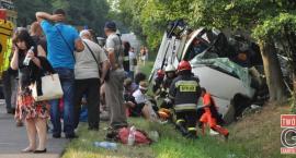 Autokar uderzył w drzewo. Zginęło pięcioro Ukraińców