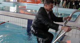 Wykonawca basenu sądzi się z powiatem o