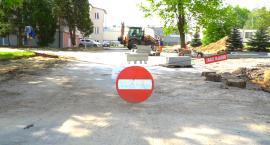 Przy szpitalu powstaje parking (WIDEO)