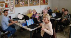 Dęblin: Seniorzy uczą się obsługi komputera