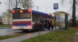 Przepełnione poranne autobusy na linii nr 93. Będą dodatkowe kursy?