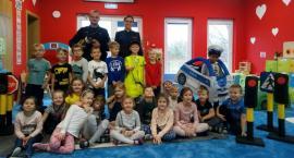 Policjanci w Przedszkolu Publicznym nr 1 w Osielsku. Dzieci popisały się szeroką wiedzą