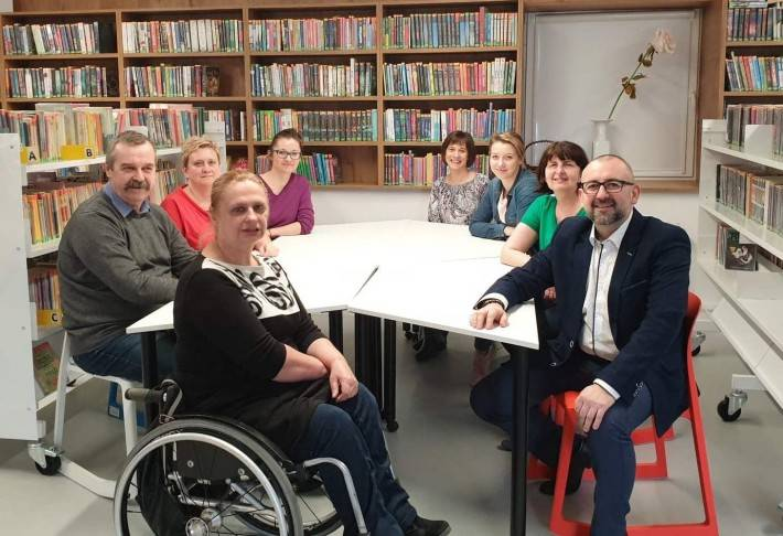 Starosta i Powiat, Starostwo zwiększy wsparcie finansowe Biblioteki Miejskiej Przasnyszu - zdjęcie, fotografia