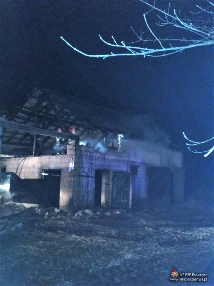 Pożary - Straż , Pożar budynku inwentarskiego miejscowości Węgra - zdjęcie, fotografia