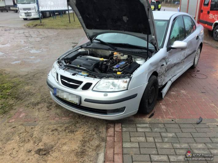 Wypadki drogowe, Kolizja dwóch samochodów osobowych Przasnyszu - zdjęcie, fotografia