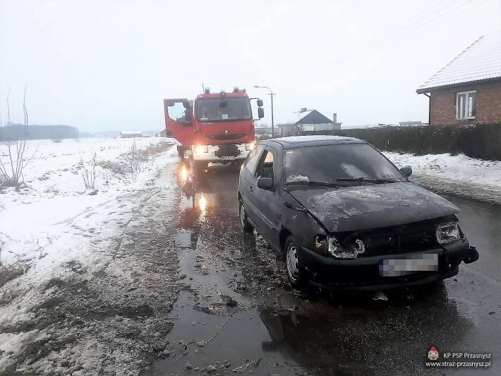 Pożary - Straż , Pożar samochodu osobowego miejscowości - zdjęcie, fotografia