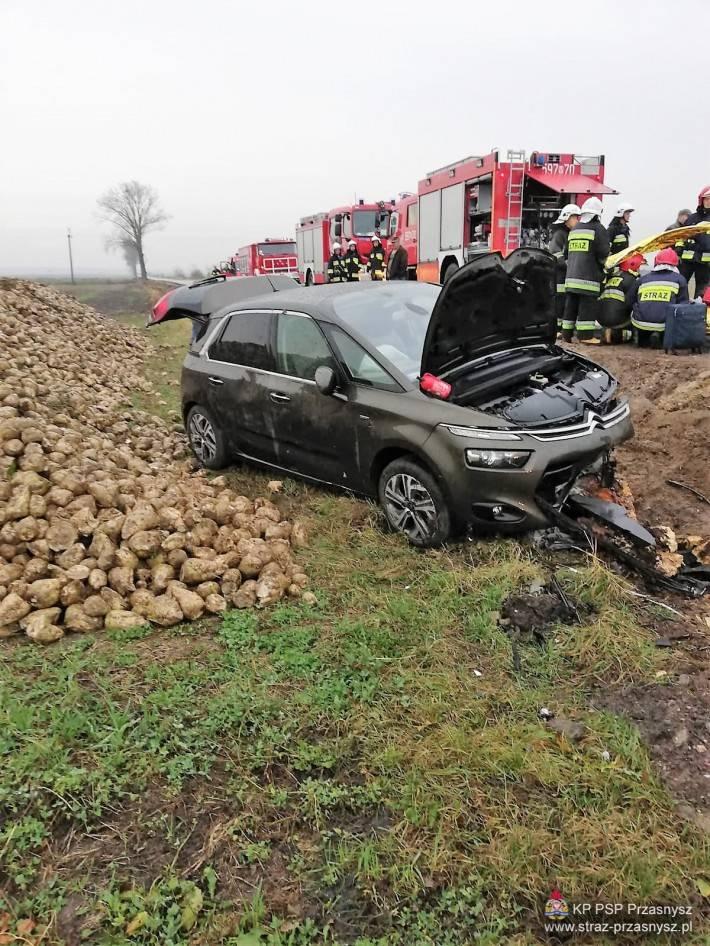 Wypadki drogowe, Wypadek samochodu osobowego miejscowości Gostkowo - zdjęcie, fotografia